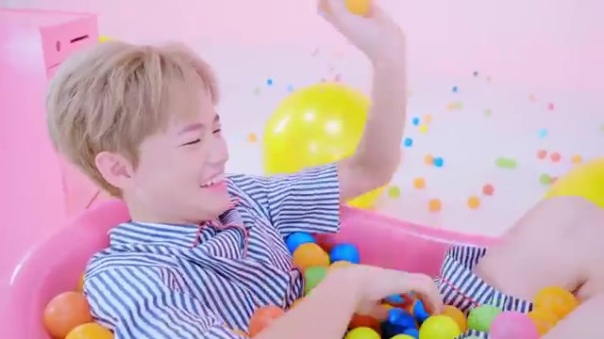 Nct Dream Chewing Gum Music Video review 34