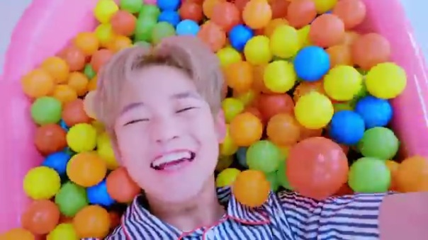 Nct Dream Chewing Gum Music Video review 37