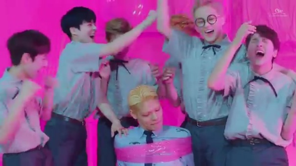 Nct Dream Chewing Gum Music Video review 50
